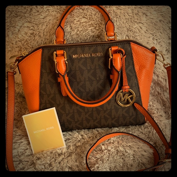 8f60b599e800 Michael Kors Bags | Crossbody Signature Purse | Poshmark